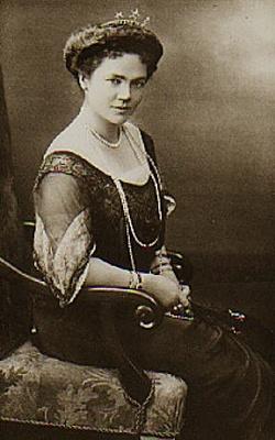 Click image for larger version  Name:Saxe-Altenburg, Adelheid.jpg Views:1230 Size:28.8 KB ID:90206