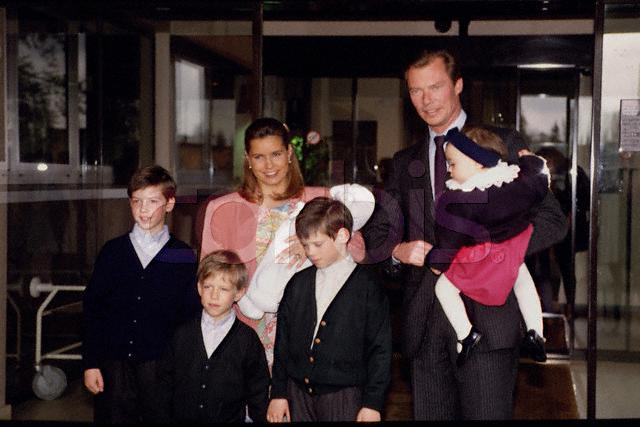 Znalezione obrazy dla zapytania: grand duke henri and grand duchess maria teresa with child