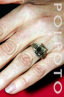Click image for larger version  Name:Camilla ring2.jpg Views:1395 Size:31.4 KB ID:92379