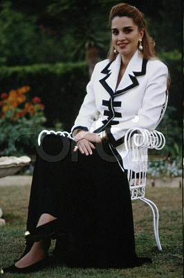 Click image for larger version  Name:rania princess.JPG Views:3408 Size:39.7 KB ID:94390