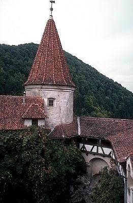 Click image for larger version  Name:Bran Castle 07 APL.JPG Views:420 Size:35.0 KB ID:94401