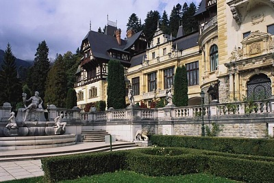 Click image for larger version  Name:Peles Castle 03.jpg Views:432 Size:64.8 KB ID:94409