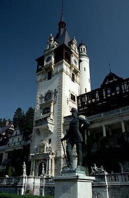 Click image for larger version  Name:Peles Castle 06 Carol I Statue.jpg Views:400 Size:26.8 KB ID:94412