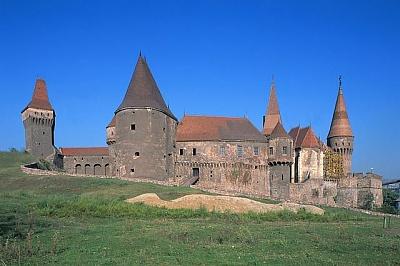 Click image for larger version  Name:Corvinesti Castle 01.jpg Views:361 Size:43.3 KB ID:94419