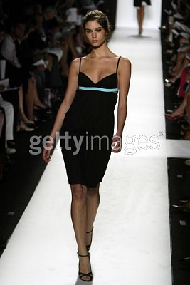 Click image for larger version  Name:Narciso Rodriguez Spring 2005.jpg Views:182 Size:25.5 KB ID:95435