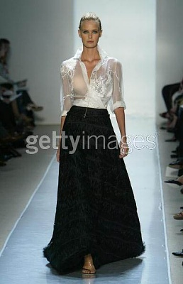 Click image for larger version  Name:Chado Ralph Rucci Sping 2005.jpg Views:205 Size:31.6 KB ID:95437
