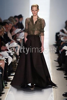 Click image for larger version  Name:Chado Ralph Rucci Fall 2005 gown.jpg Views:176 Size:59.2 KB ID:95454