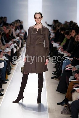 Click image for larger version  Name:Chado Ralph Rucci Fall 2005ac.jpg Views:173 Size:31.6 KB ID:95458