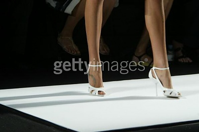 Click image for larger version  Name:Narciso Rodriguez Spring 2005shoes2.jpg Views:161 Size:19.5 KB ID:95492