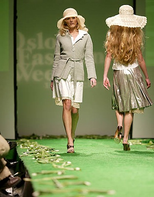 Click image for larger version  Name:2fashion_028700_01CH7145.jpg Views:279 Size:55.8 KB ID:96141