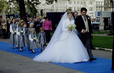 Click image for larger version  Name:1993-10-08 Wedding 14.jpg Views:2572 Size:59.8 KB ID:99611