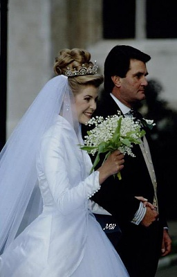 Click image for larger version  Name:1993-10-08 Wedding 16.jpg Views:20234 Size:43.7 KB ID:99614