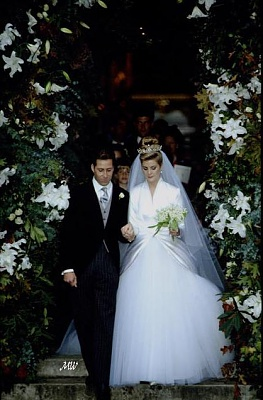Click image for larger version  Name:1993-10-08 Wedding 18.jpg Views:534 Size:67.3 KB ID:99616