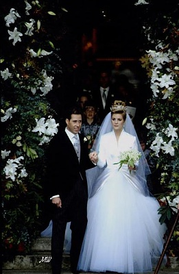 Click image for larger version  Name:1993-10-08 Wedding 19.jpg Views:531 Size:63.8 KB ID:99617