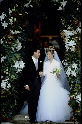 Click image for larger version  Name:1993-10-08 Wedding 20.jpg Views:15374 Size:67.0 KB ID:99618