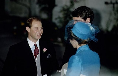 Click image for larger version  Name:1993-10-08 Wedding 35.jpg Views:453 Size:36.3 KB ID:99632